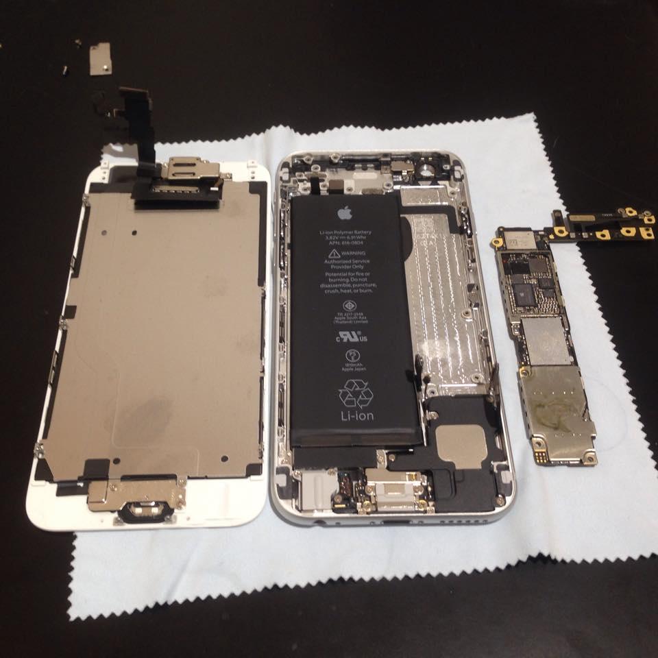 水没したiPhoneを分解して基板を洗浄