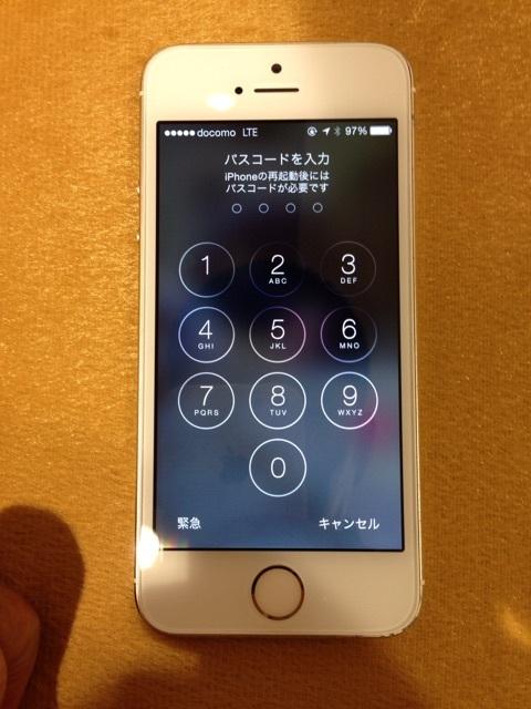 水没したiPhoneを組みなおして動作チェック
